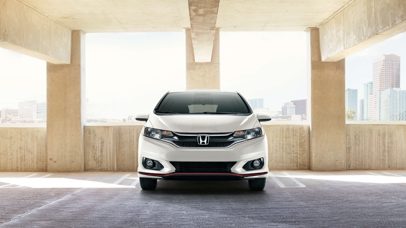Discover the Honda Fit at Lombardi Honda in Montreal near Laval and Longueuil.
