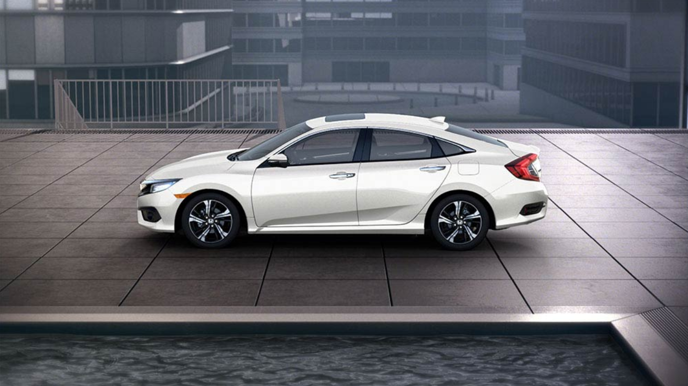 Discover the Honda Civic at Lombardi Honda in Montreal near Laval and Longueuil.